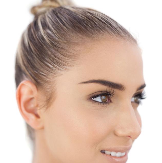 Perfekte Augenbrauenform: Micropigmentation, formen, zupfen ...